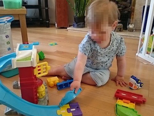 H playing independently